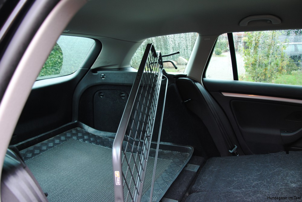 im test travall passgenau hundegitter f r das auto. Black Bedroom Furniture Sets. Home Design Ideas