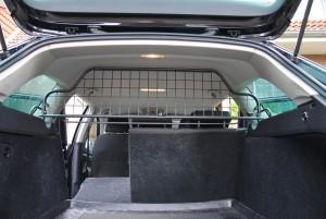 Travall Kofferraumgitter Rückbank bleibt umklappbar
